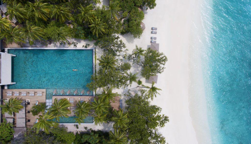 4. Vakkaru Maldives Main Pool Aerial