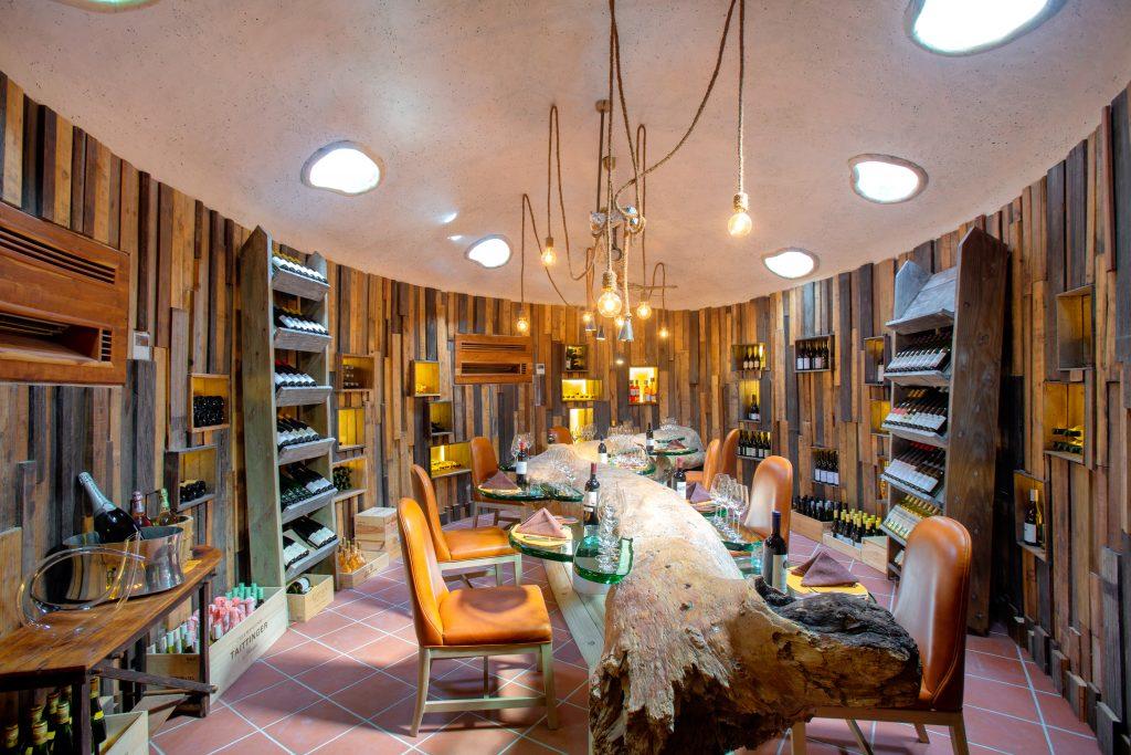 GiliLankanfushiM_Underground Wine Cellar