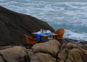 Dining at the Jetwing LIghthouse