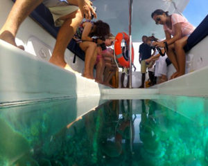 Glass floor boat thing 1