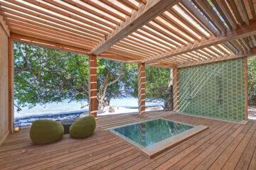 Javvu Spa Gentlemen's Plunge Pool & Shower