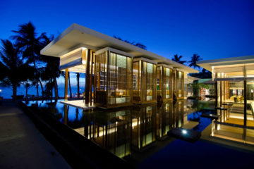 Jumeirah_Dhevanafushi_-_Azara_Restaurant_Side_View