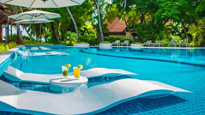Kurumba Maldives Resort Pool