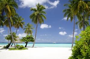 reethi_rah_maldives_pool_beach_resort_09_03_2012_6670hr